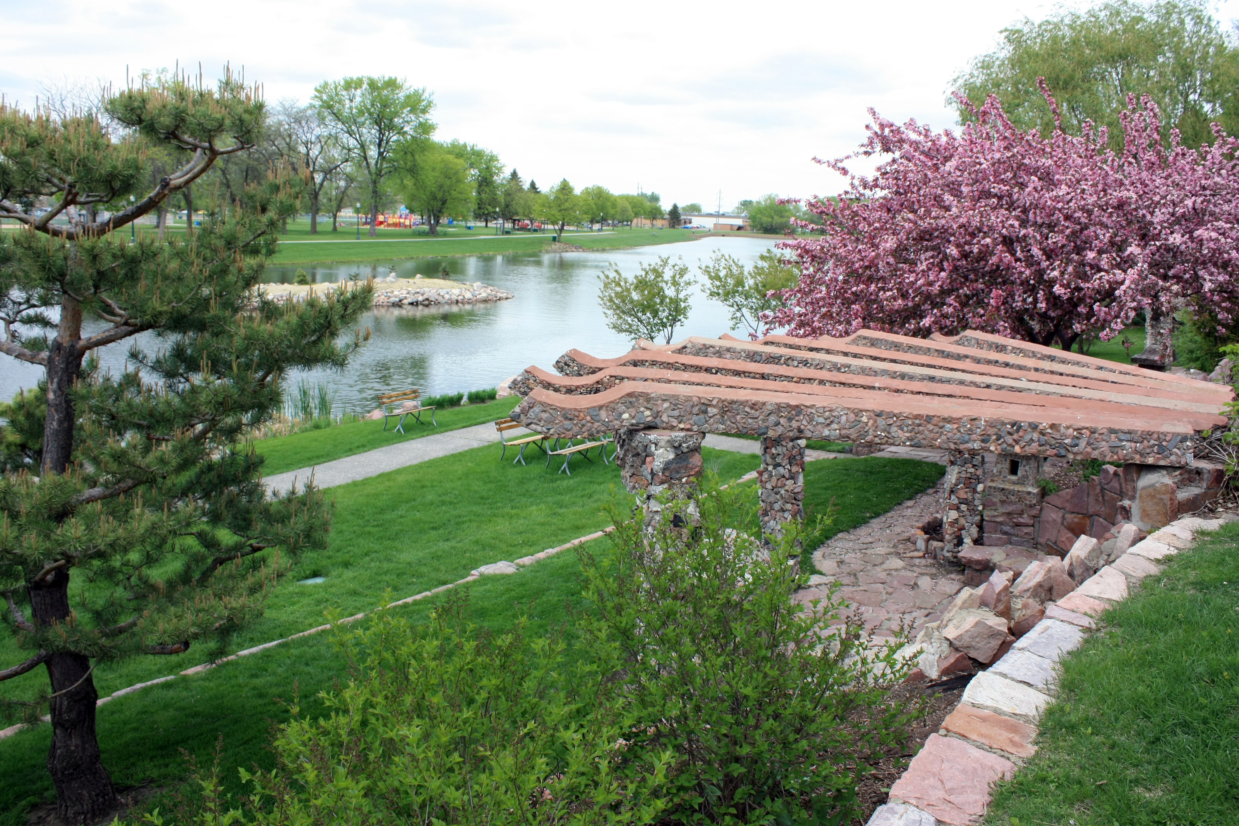 Sioux falls in the spring city of sioux falls for Terrace 33 city garden
