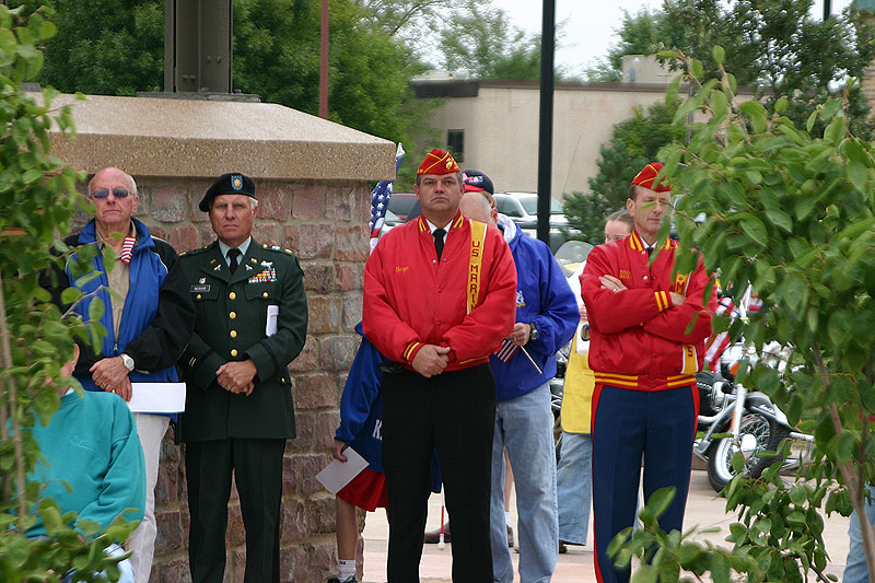 /upload/images/parks/veterans_memorial/crowd_1.jpg