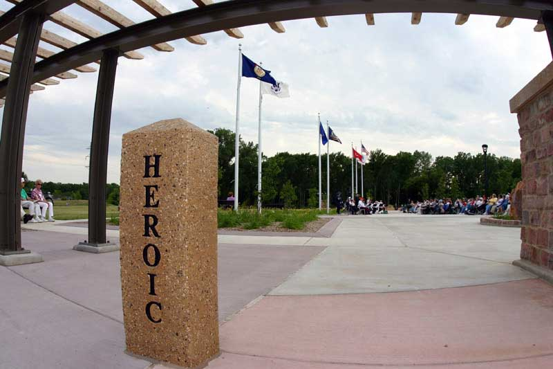 /upload/images/parks/veterans_memorial/frc_heroic.jpg