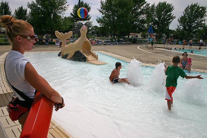 /upload/images/parks/laurel_oak_pool/splash area 1.jpg