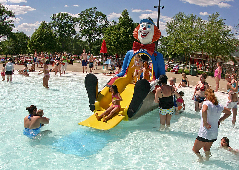 /upload/images/parks/terrace_pool/clown 1.jpg
