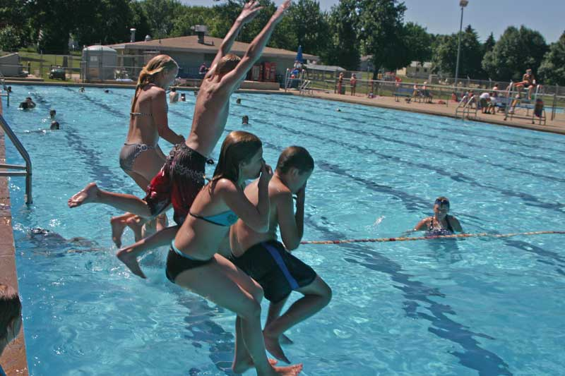 /upload/images/parks/frank_olson_pool/group-1.jpg