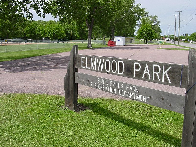 /upload/images/parks/elmwood/2047.jpg