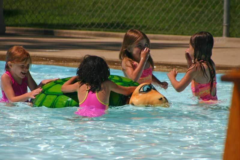 /upload/images/parks/mckennan_pool/kids-1.jpg